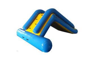 Scivolo Gonfiabile Acquatico con arrampicata